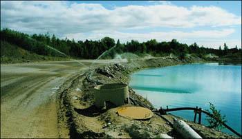 Bevattningen binder upp dammet vilket ger en bättre arbetsmiljö